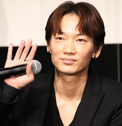 """綾野剛、舘ひろしと""""愛""""で結ばれ「ドキドキした」『ヤクザと家族』は「集大成」"""