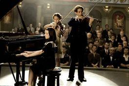 命をつなぐバイオリンの画像