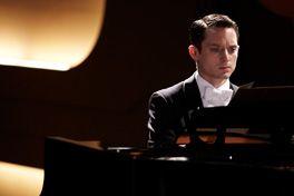 グランドピアノ 狙われた黒鍵の画像
