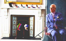 マノロ・ブラニク トカゲに靴を作った少年の画像