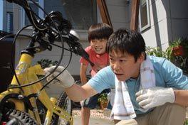 ぼくとママの黄色い自転車の画像