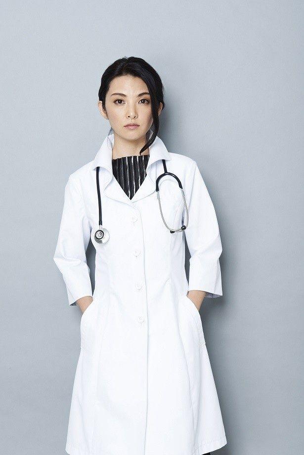 現在放送中の「真昼の悪魔」で主人公・大河内葉子を演じる田中麗奈