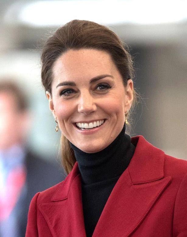 ウィリアム王子とともにビデオチャットでリモート公務を行ったキャサリン妃