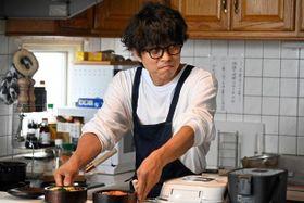 なにわ男子の道枝駿佑が頬張るのはイノッチ特製弁当?『461個のおべんとう』場面写真が到着