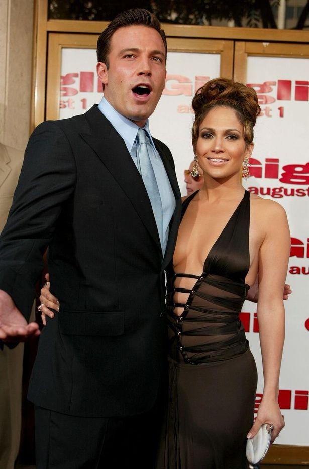2002年にベン・アフレックと婚約するが2年で破局