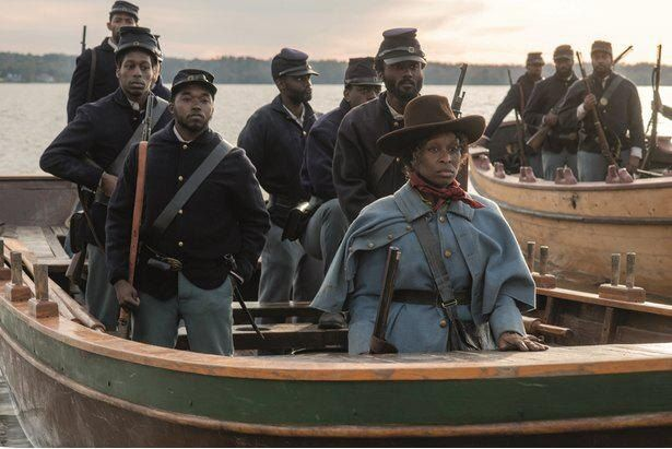 奴隷解放運動に命を懸けた一人の女性の生きざまが描かれる(『ハリエット』)