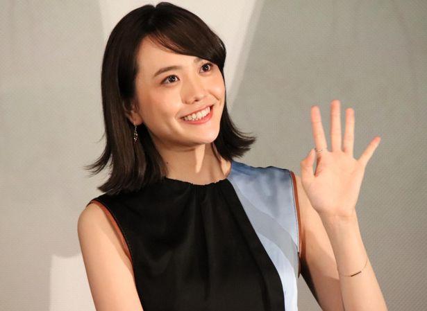舞台挨拶に登壇した松井愛莉