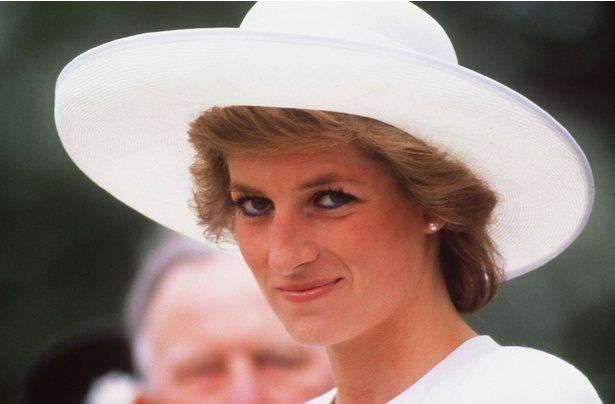 """ダイアナ元皇太子妃が王室で過ごした""""最後のクリスマス休暇""""になにがあったのか…?"""