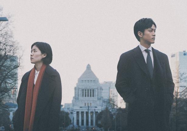 『新聞記者』はシム・ウンギョン、松坂桃李、本田翼らが出演の社会派ドラマ