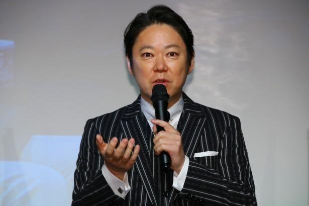 内縁の夫になるホスト・遼役の阿部サダヲ