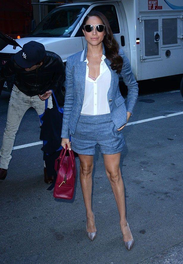 キャサリン妃より手頃な値段で真似できるメーガンのファッションが人気上昇中