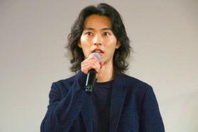山崎賢人と行定勲監督が『劇場』でリモート舞台挨拶「当たり前のことが、いまとなってはすばらしい事だったんだと感じる」