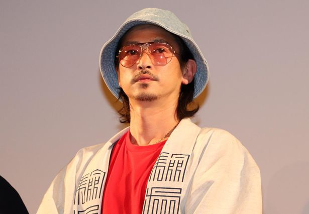 【写真を見る】窪塚洋介は「そんなに暗くなるのやめましょうよ」といまのムードへの怒りを表した