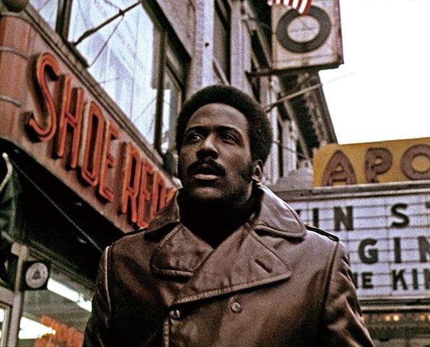 70年代のブラックスプロイテーション映画の代表作とされ、続編もつくられた『黒いジャガー』