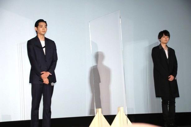 【写真を見る】スラリと長身でスタイル抜群の古川雄輝と竜星涼