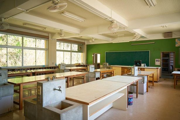 """旧校舎には""""土曜日の実験室""""が現存している"""