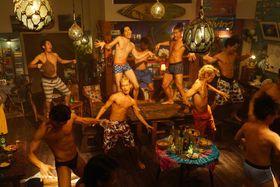 屈強な男たちが全裸で飲み踊る!『ぐらんぶる』が映しだす肌色すぎる青春
