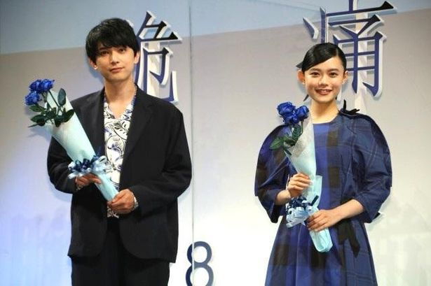 『青くて痛くて脆い』の公開直前イベントに登壇した吉沢亮と杉咲花