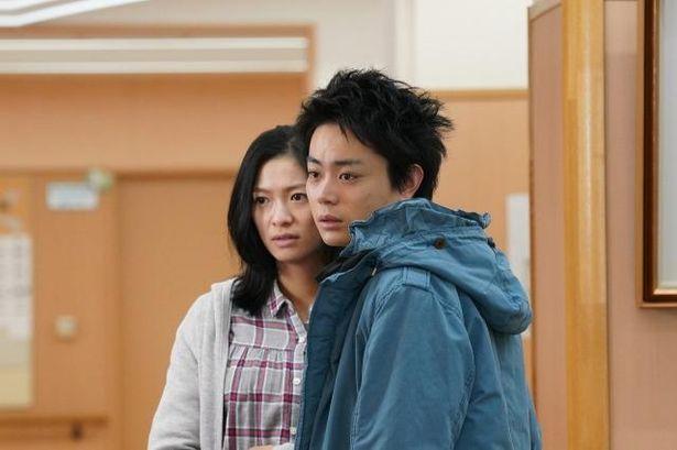 漣はチーズ工房で出会った桐野香(榮倉奈々)と結婚する
