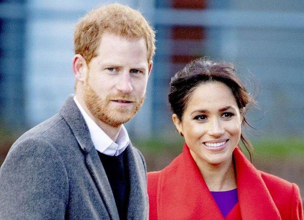 ヘンリー王子とメーガン妃がボランティアで夫婦コーデ