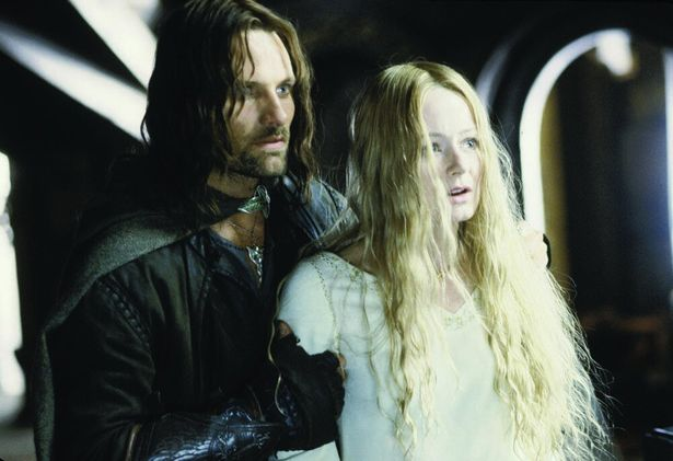 アラゴルンは人間の国ローハンを白のサルマンの脅威から守ろうと奮闘する(『ロード・オブ・ザ・リング/二つの塔』)