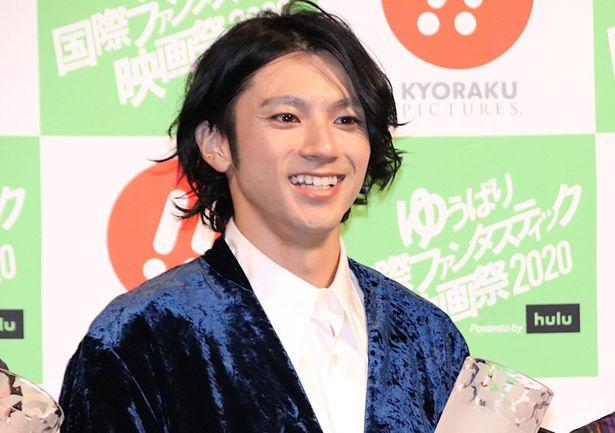 山田裕貴、大きな笑顔!