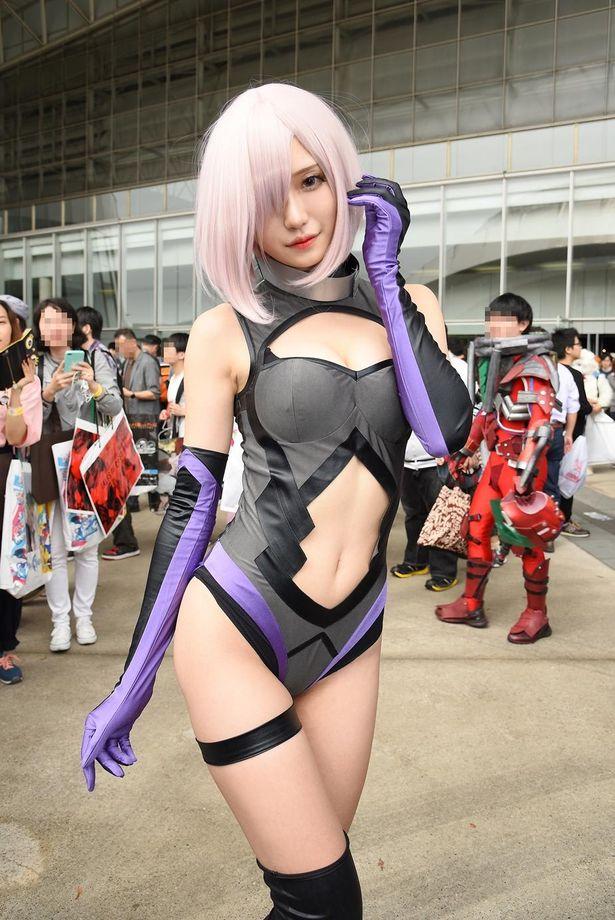 「Fate/Grand Order」のマシュ・キリエライトに扮する腐団Cielさん