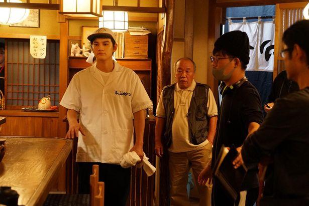 キャベツの千切りも猛特訓したというアゲ太郎役の北村匠海