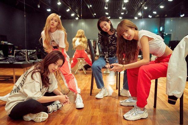 韓国の人気ガールズグループの軌跡を追う『BLACKPINK ~ライトアップ・ザ・スカイ~』