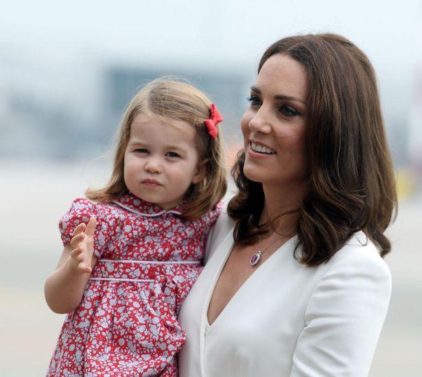キャサリン妃とシャーロット王女、さりげないカラーコーデを披露