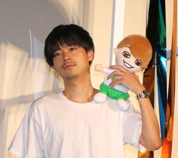 """大倉忠義の""""ぬいぐるみ""""を抱いてステージに!"""