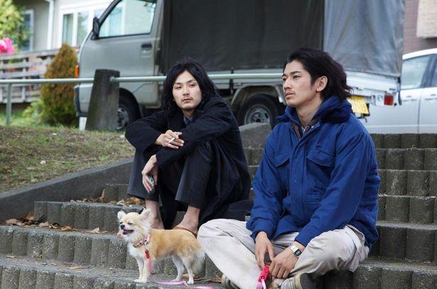 【写真を見る】松田龍平と瑛太がゆる~いコンビネーションを発揮した『まほろ駅前多田便利軒』