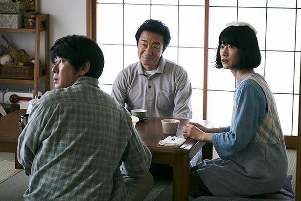 永瀬正敏と原田知世がちひろの両親役を務めた