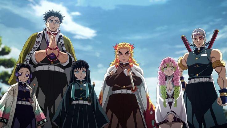 (左から)胡蝶しのぶ、岩柱の悲鳴嶼行冥、霞柱の時透無一郎、煉獄杏寿郎、恋柱の甘露寺蜜璃、音柱の宇髄天元