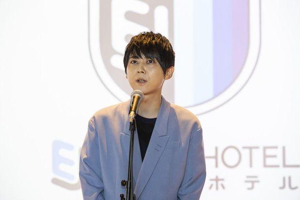 EJアニメホテルのオープニングセレモニーに声優の梶裕貴が登壇