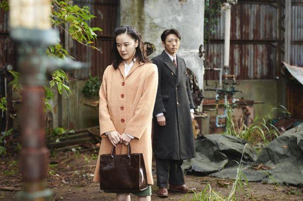 『スパイの妻 劇場版』は10月16日より公開中