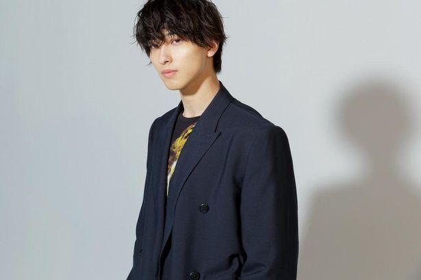 【写真を見る】吉高由里子と横浜流星、撮り下ろしショット計8枚