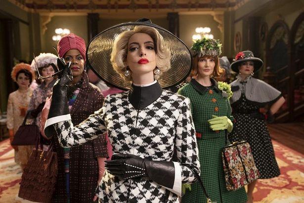 アン・ハサウェイ主演作『魔女がいっぱい』は12月4日(金)から公開決定Reserved.