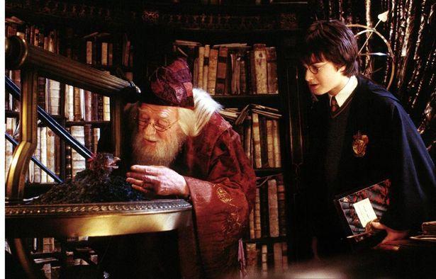 『ハリー・ポッターと秘密の部屋』が遺作となった名優リチャード・ハリスのキャリアをプレイバック