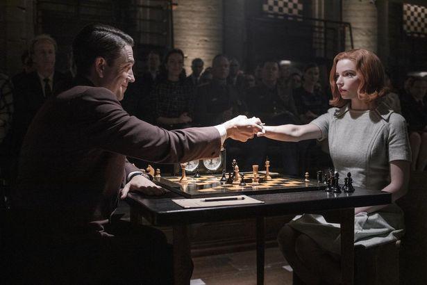 ウォルター・テヴィスの同名小説を原作に、依存症に苦しみながらチェスの道を突き進む主人公を描く本作