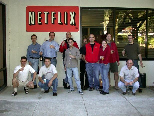 Netflixはいかにして巨大企業になったのか?その歴史を珍エピソードとともに振り返る!