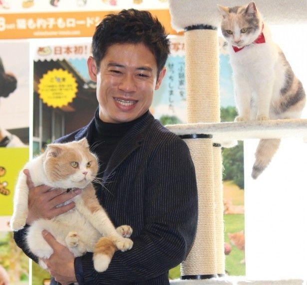 猫のシナモン&ドロップも出席!
