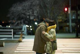 菅田将暉と有村架純が信号待ちの間にキス…『花束みたいな恋をした』ショート予告公開