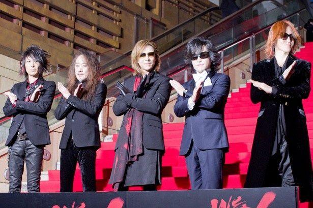 初めて5人で映画イベントに登場したX JAPAN