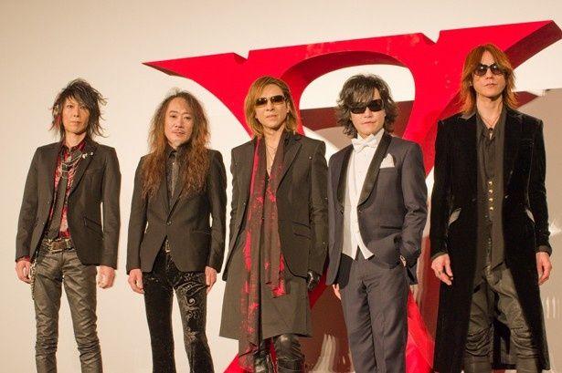 映画『WE ARE X』の舞台挨拶に登壇したX JAPANのメンバー