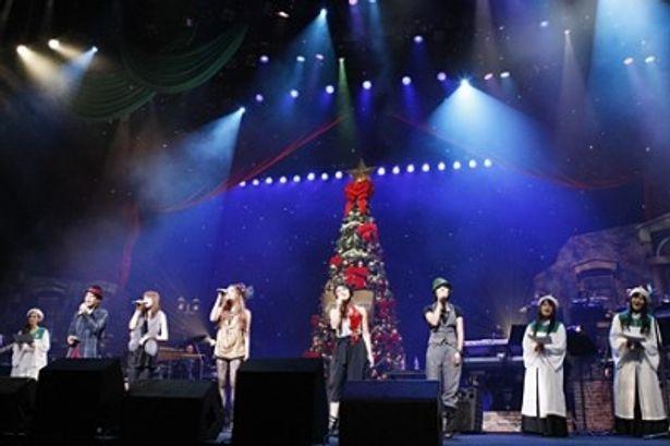 CS放送のMUSIC ON! TVとJUJUのコラボイベントで魅力的なアーティストが夢の共演! 左よりJAY'ED、福田沙紀、JUJU、BONNIE PINK、BoA