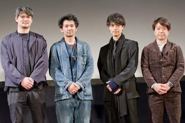 写真左より編集の小川弾、出演の村上淳、監督・出演の斎藤工、原作のはしもとこうじ