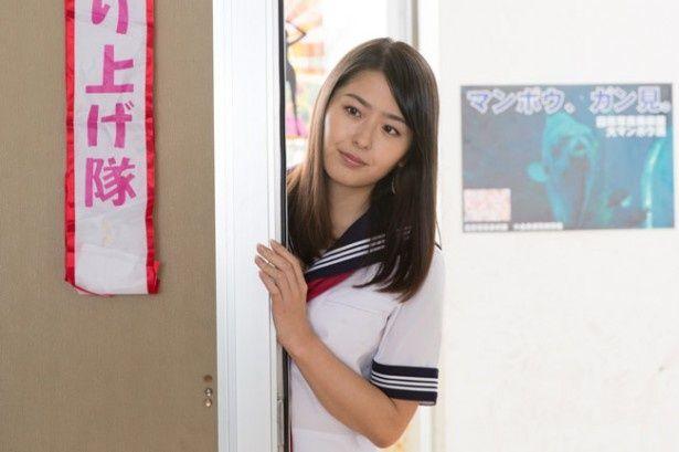 ミスヤングチャンピオン4代目グランプリの小田島渚がヒロインの胡桃に
