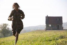 タランティーノのため、新進女優が400mを全力疾走!