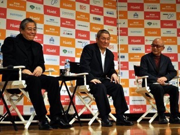 北野武監督が森昌行プロデューサー(左)、聞き手である映画評論家の山根貞男氏(右)と登壇